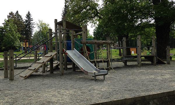 beaconsfield park playground